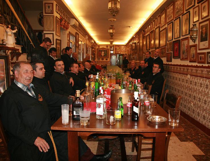 FIGURA-6-Cuartel-della-corporazione-biblica-Las-Virtudes-Teologales-(Puente-Genil-27-marzo-2013-foto-Vinci)