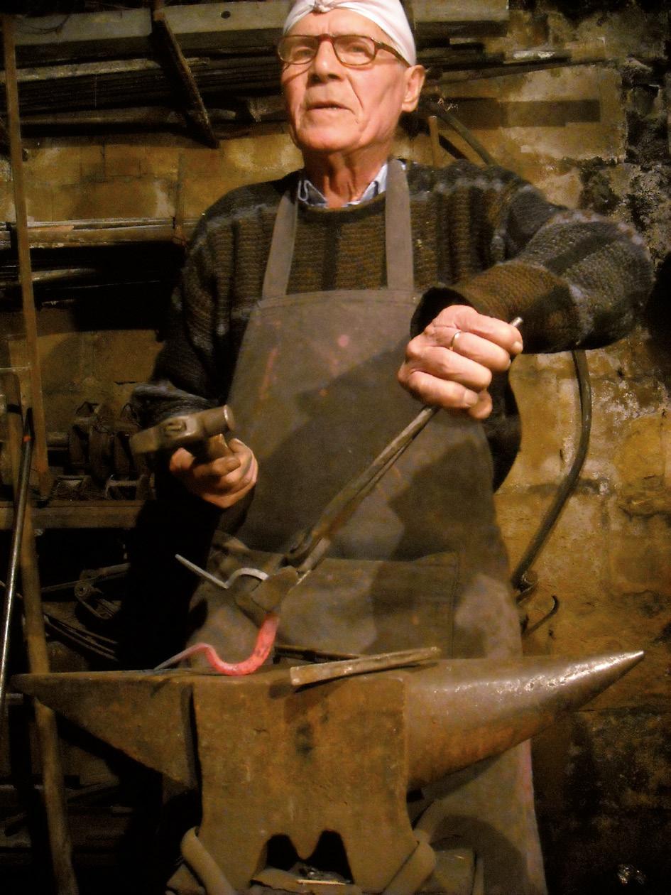 FIGURE-8.-The-maker-Giuseppe-Alaimo-(1924-2014),-blacksmith-in-Resuttano