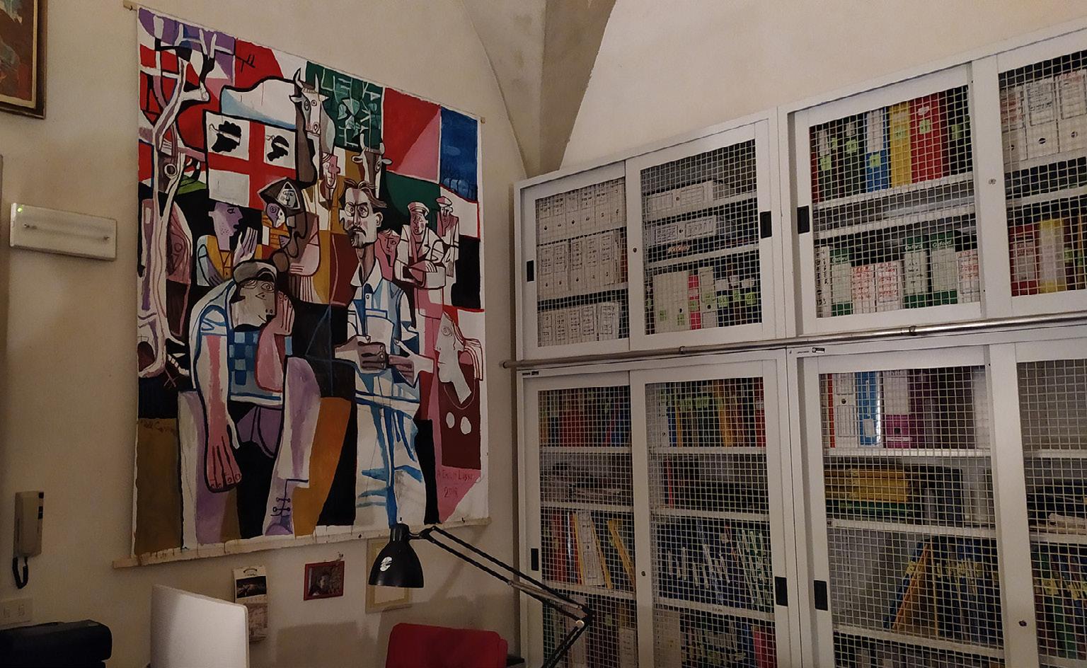 FIGURA 10. Sede dell'Istituto Ernesto de Martino, opera realizzata da Francesco Del Casino in memoria di Emilio Lussu, 2021 (foto: G. Chessa).